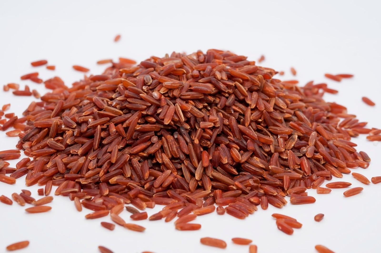 Gạo lứt đỏ và Gạo huyết rồng (Nguồn: Internet)